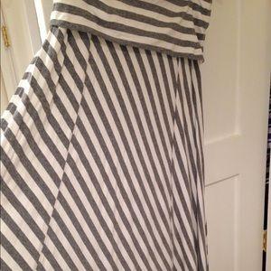 GAP maxi skirt gray and white stripe